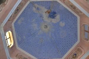 Il soffitto stellato della chiesetta
